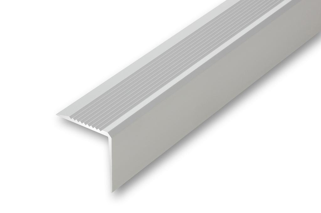 43 x 43 x 1000 mm , silber gebohrt inkl. Montageset Treppenwinkel 43 x 43 1000 mm silberfarben zum verschrauben Treppen-Kantenprofil Stufen-Profil Alu-Winkel-Profil